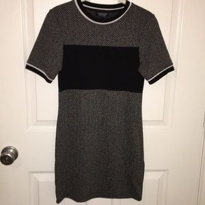 Topshop Dresses - TopShop Bodycon Black and White Dress